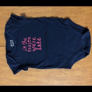 """3/$15 EUC Navy Blue Graphic Onsie """"I'm the reason"""""""